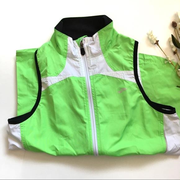 Brooks Jackets & Blazers - Brooks Running Vest Nightlife High Vis Active Top